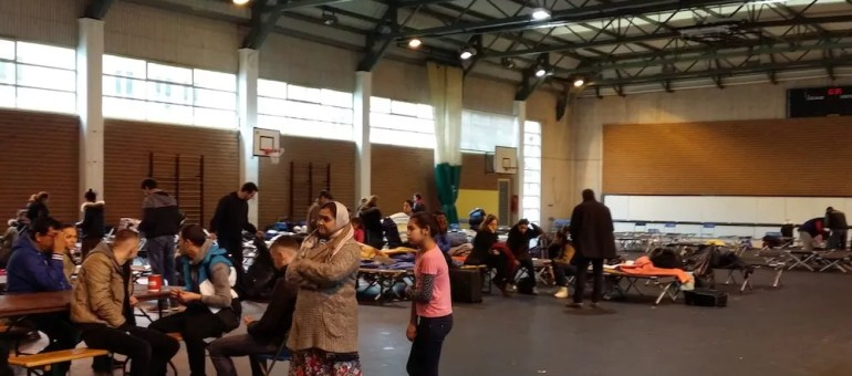 Fermeture des gymnases à Lyon : plus d'une centaine de SDF remis à la rue