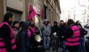 Rassemblement d'une dizaine d'Amis TCL, soutenus par Solidaires, le 23 janvier devant le siège de l'association Medialys, rue Sala (Lyon 2ème). ©DR