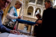 Vote à Lyon, deuxième tour de l'élection présidentielle 2017. © Thomas Bernardi.