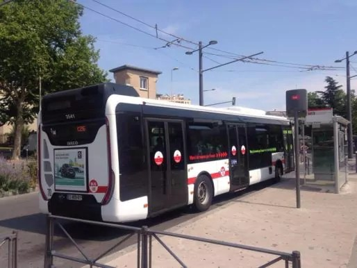 La ligne de bus C26 en période de canicule. ©HH/Rue89Lyon