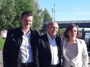 Marion Croizeau avec son suppléant Arnaud Fresse entourant Gérard Collomb. Photo Page Facebook de Marion Croizeau