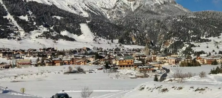 Les stations de ski face au réchauffement climatique ou l'absurde solution des canons à neige