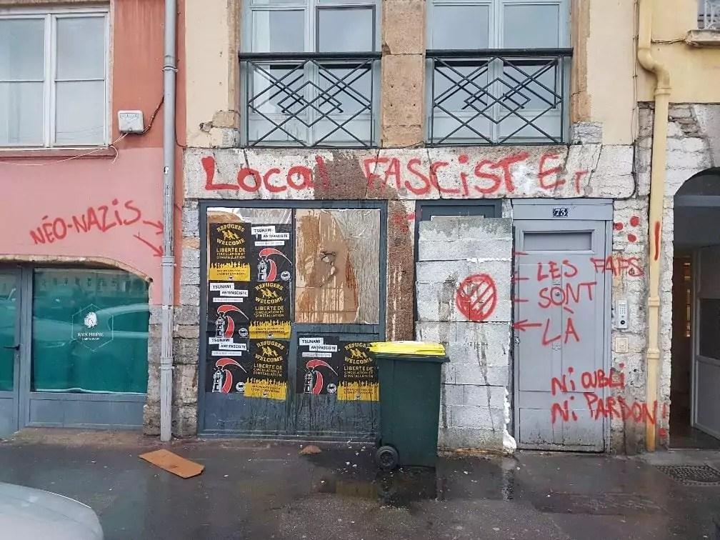 Le local du Bastion social à Lyon, le lendemain de l'attaque revendiquée par les antifas de la Gale. ©DR