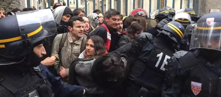 Chaîne humaine, coups de matraque et gazage : tous les partiels annulés à Lyon 2