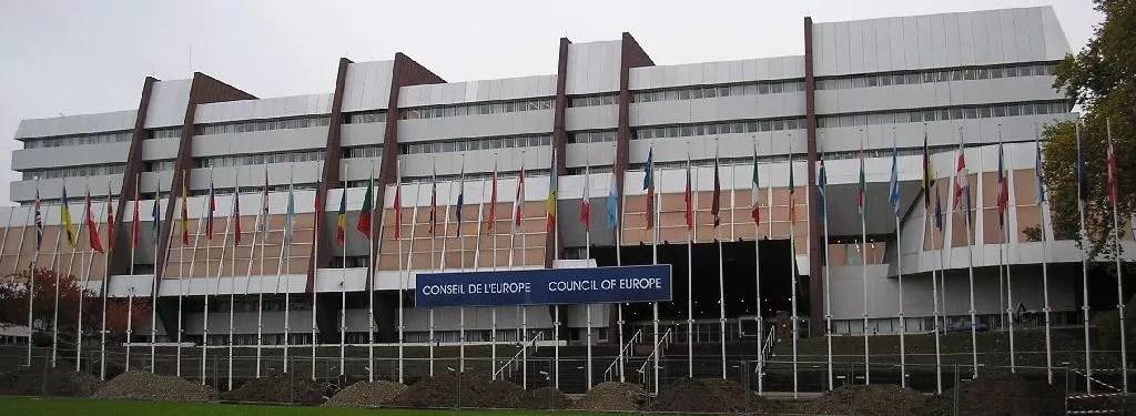 Forum mondial de la démocratie : le Off investit la place Kléber