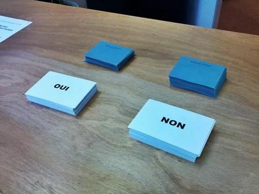 Des bulletins de vote au référendum (Photo PF / Rue89 Strasbourg)