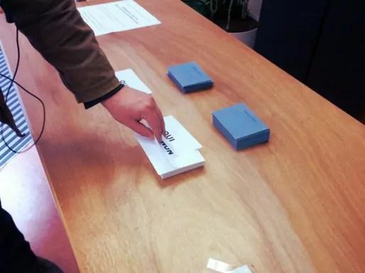 DImanche 7 avril au matin, dans un bureau de vote de Strasbourg (Photo PF / Rue89 Strasbourg)
