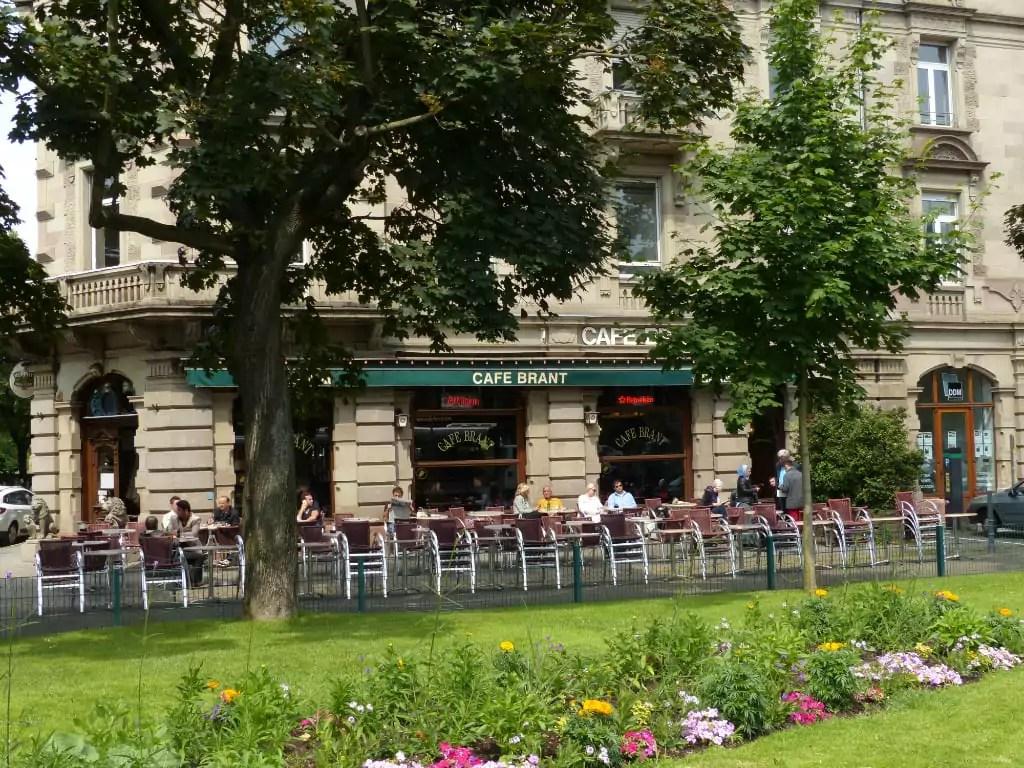 Strasbourg va étendre les terrasses des bars et restaurants pour permettre leur réouverture