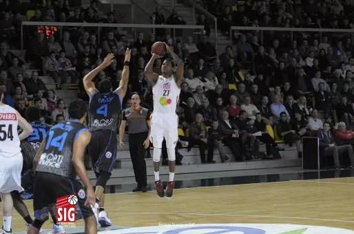 Mickaël Gelabale, une star, une vraie, à Strasbourg (Photo Sigbasket)