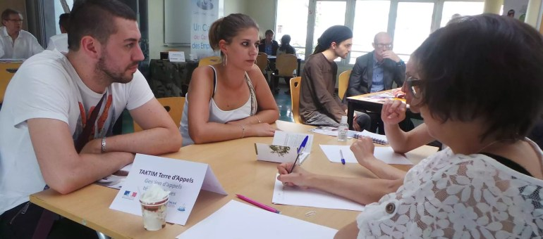 Au «Café Contact Emploi», dernier recours des chômeurs qui ont tout essayé