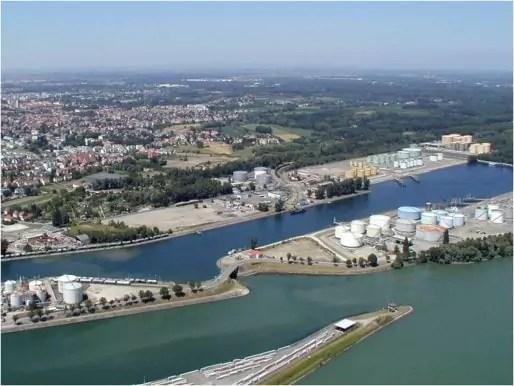 Le port aux pétroles de Strasbourg (Photo Patrick Bantzhaff / cc)