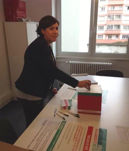 """576 personnes ont voté """"dans les urnes"""" le bas-rhin d'après le parti socialiste. Ici, la première secrétaire Pernelle Richardot (photo PS 67)"""