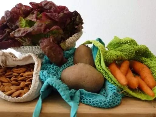 Des sacs et sachets en tissus permettent d'acheter fruits et légumes et produits d'épicerie sans emballage (photo LH)