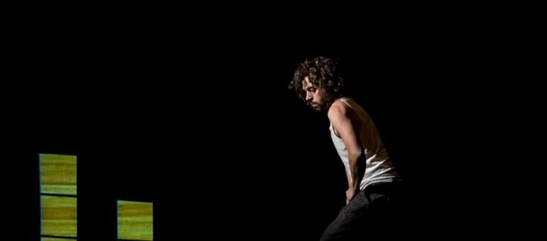 Le souffle magique de Nacho Flores, en équilibre au Théâtre de Hautepierre