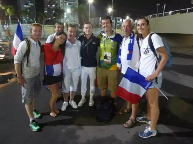 """Les rencontres, bénévoles, supporter et athlètes, le bon plan pour se retrouver dans l'espace VIP au """"club France"""" le soir (doc. remis)"""