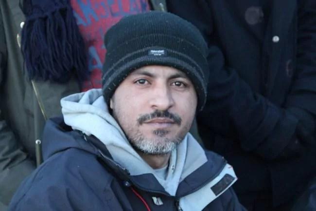 Un réfugié sur la jungle de Calais (Photo MalachyBrown / FlickR / cc)