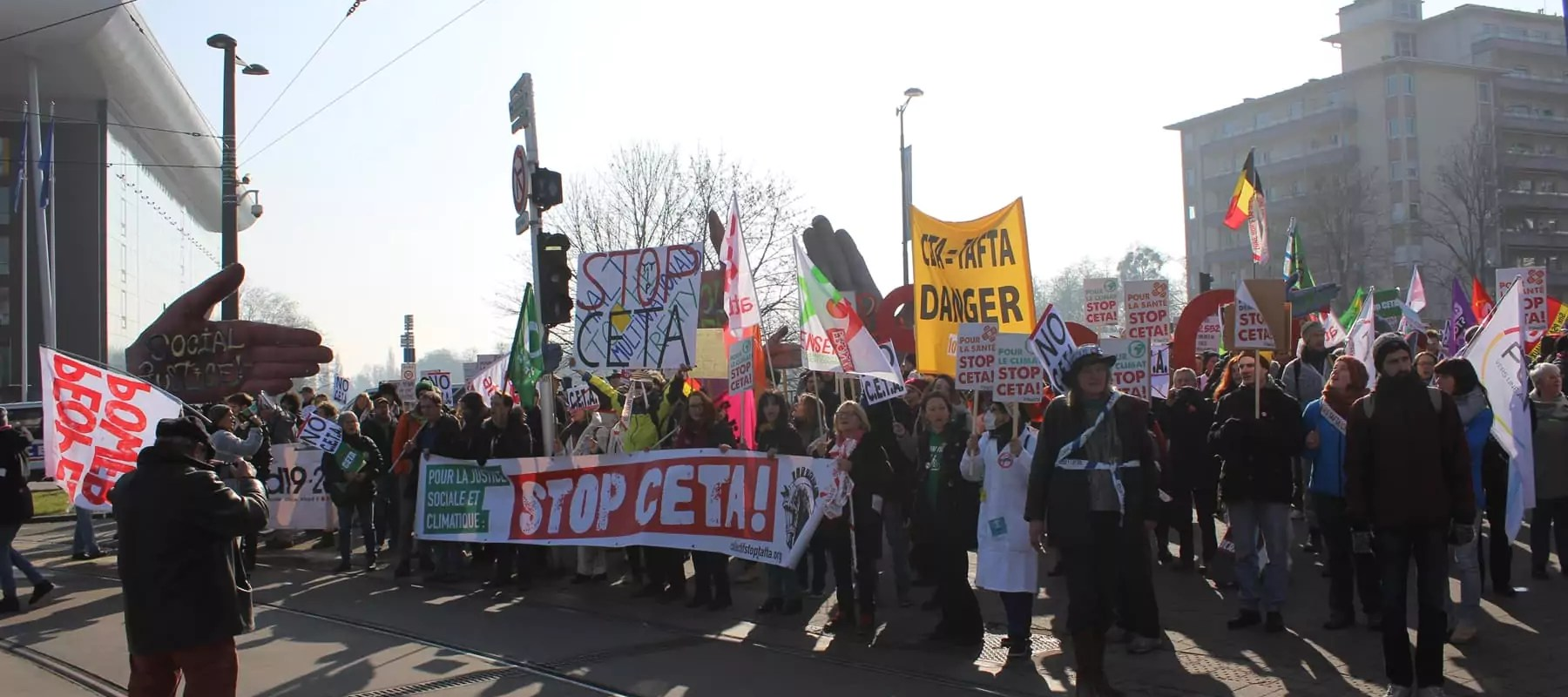 Strasbourg a soutenu les manifestants contre le CETA en leur laissant deux gymnases