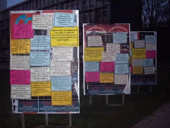 Des témoignages du web imprimés en grandeur nature pour alerter sur le sexisme (Photo DL / Rue 89 Strasbourg / cc)