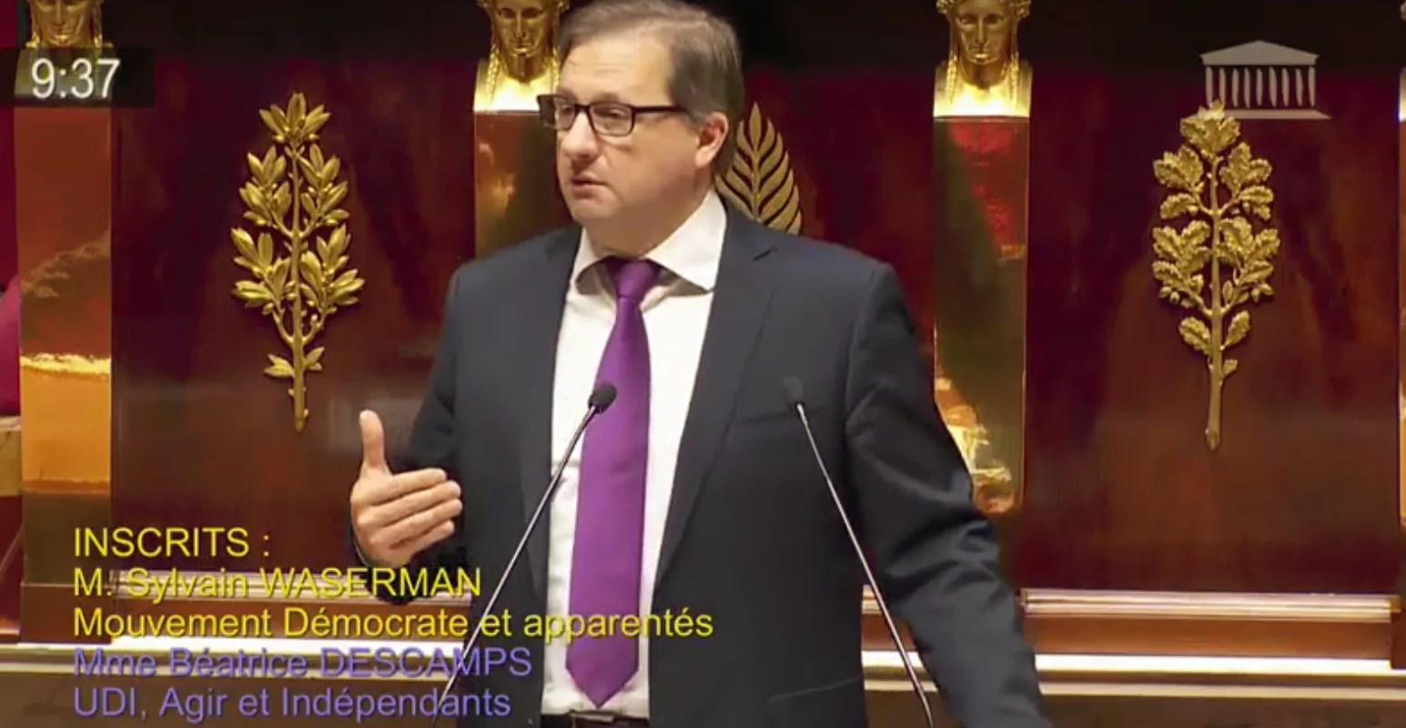Contre les emplois aidés à l'Assemblée, Sylvain Waserman est pour aider les emplois à Strasbourg