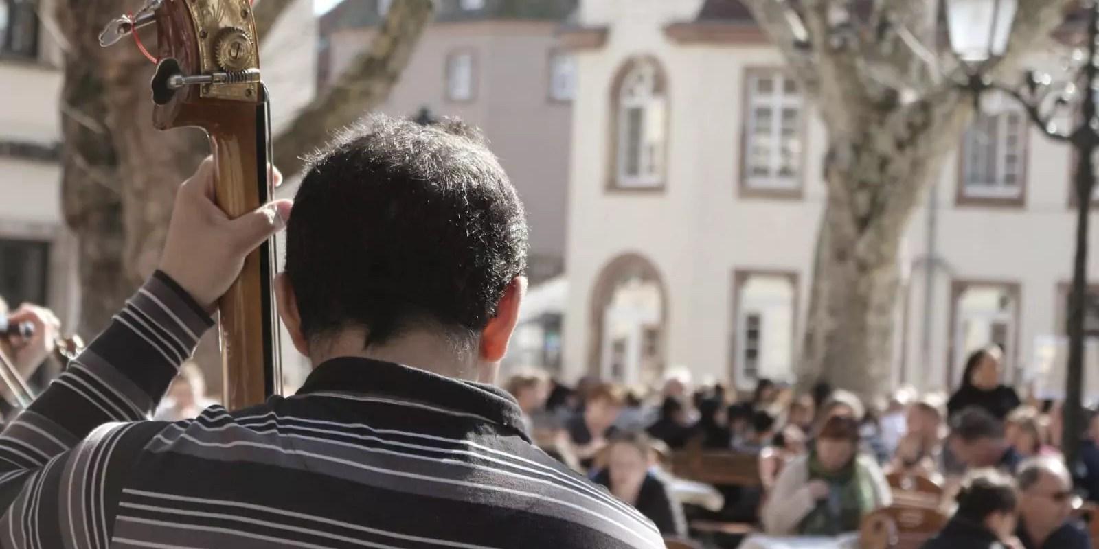 Découvrez qui sont les musiciens de rue de Strasbourg