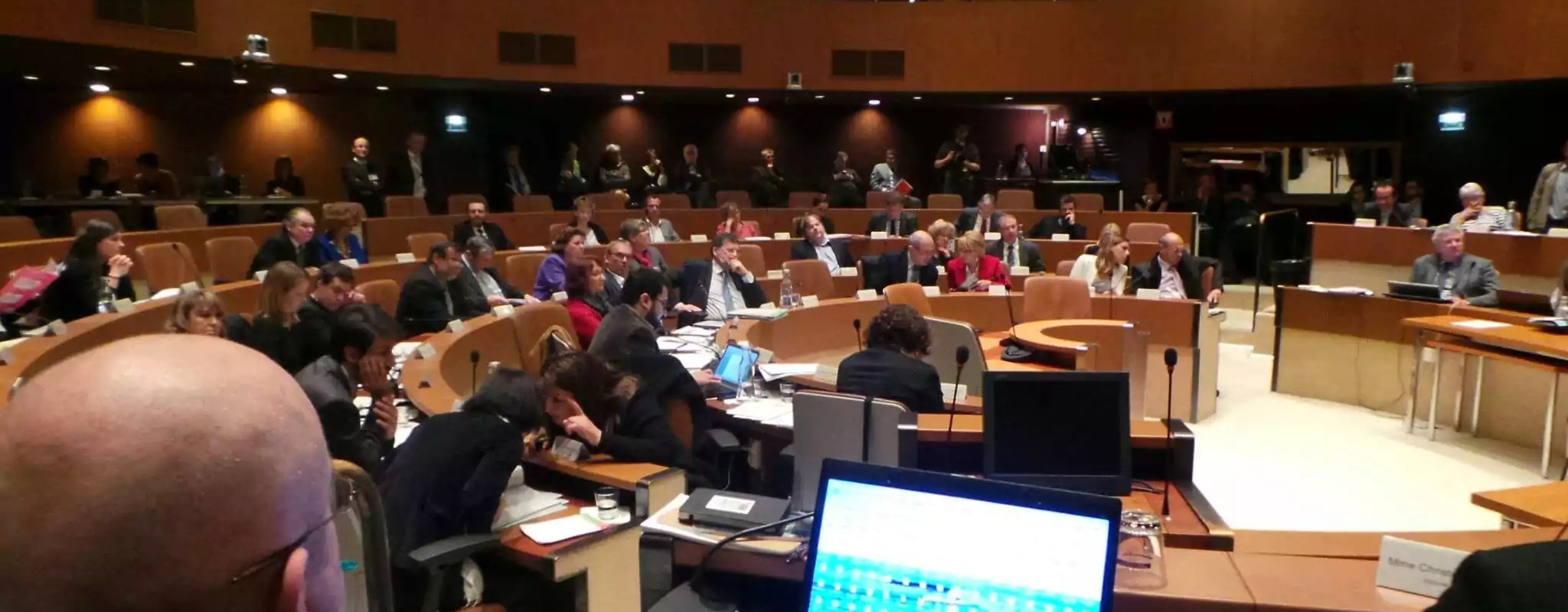 Au conseil municipal, les ambitions européennes et l'éthique en débat
