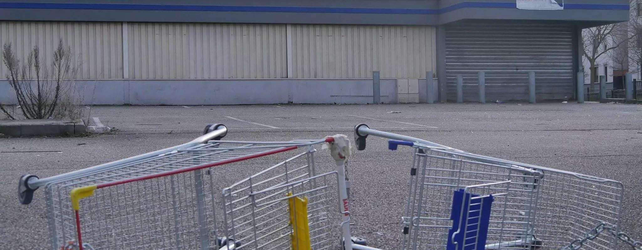 Deux pistes et une course politique pour rouvrir le supermarché de l'Elsau