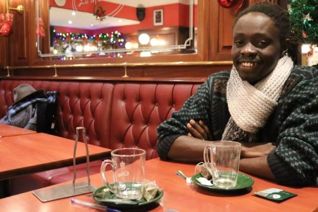 """Zakaria se sent maintenant chez lui à Strasbourg, qu'il avait choisie pour son côté international et son """"ambiance de Noël"""" (Photo DL/Rue 89 Strasbourg)"""