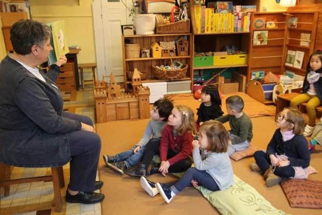 Séance de lecture aux jardin d'enfants Les p'tits loups d'Alsace à Strasbourg. (Photo : CG / Rue89 Strasbourg)