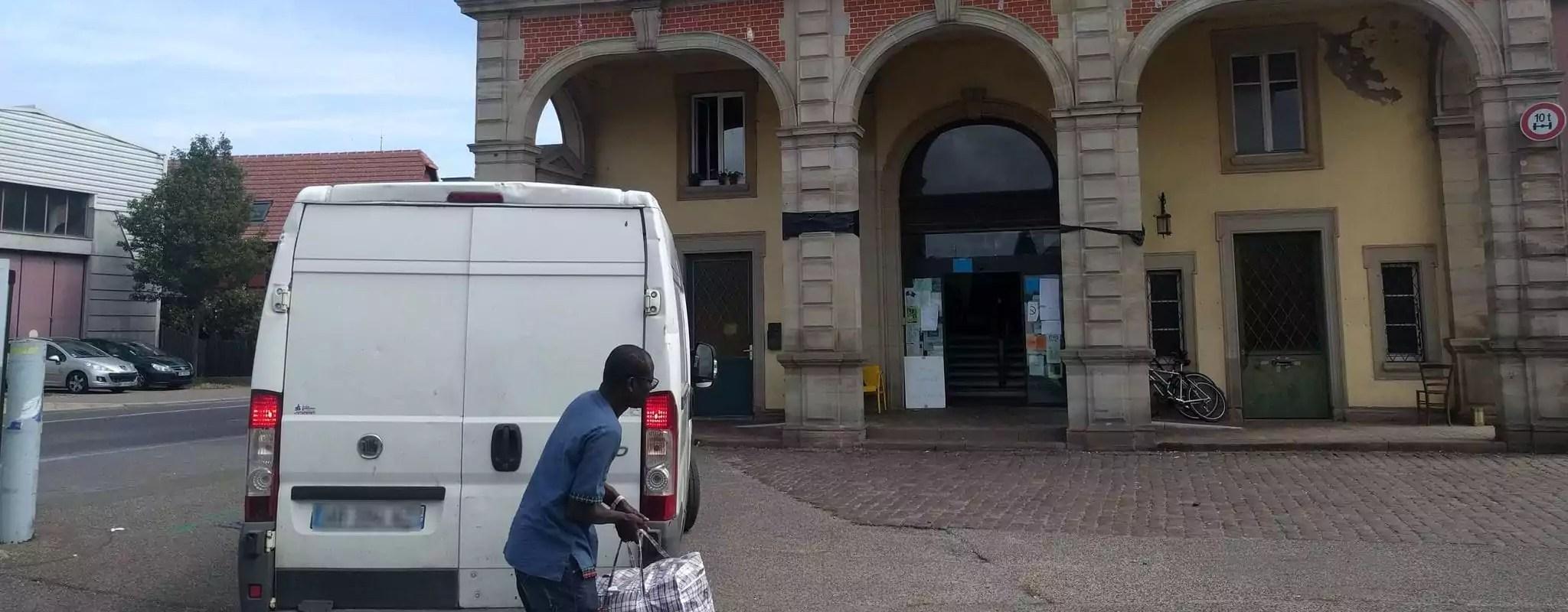 Deux huissiers mandatés par la Ville de Strasbourg au squat Gruber