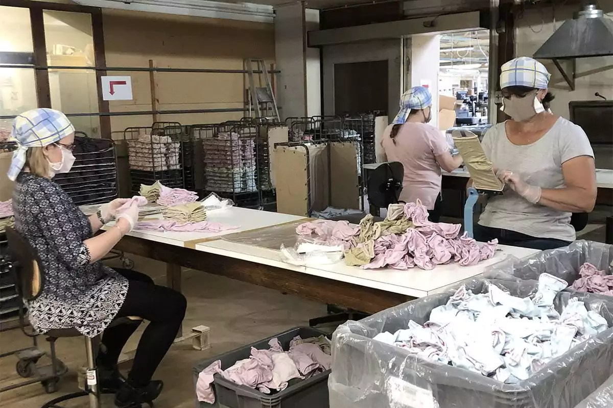 Lancée dans la production de masques, l'entreprise alsacienne Labonal attend des commandes des collectivités locales