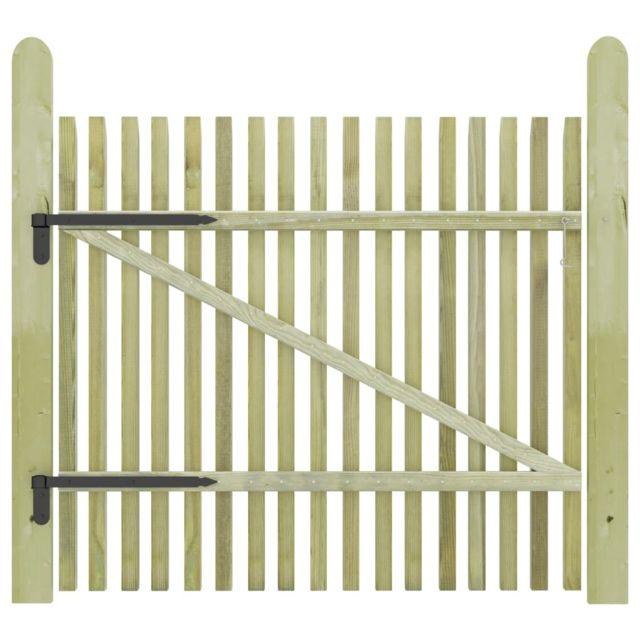 chic clotures et barrieres collection bogota portail de jardin en piquets bois
