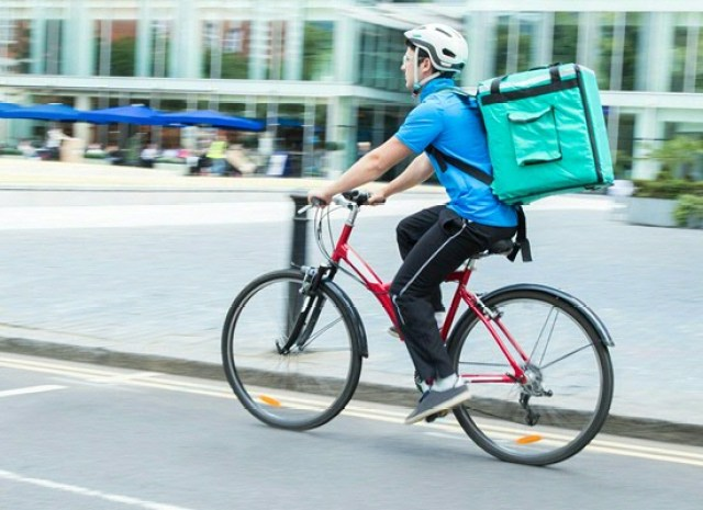 'A bicycle courier service is a good example of a very uncertain situation in the business world. You never know when you will be presented with parcels or which routes will be used.' (Photo: Daisydaisy/123RF).'