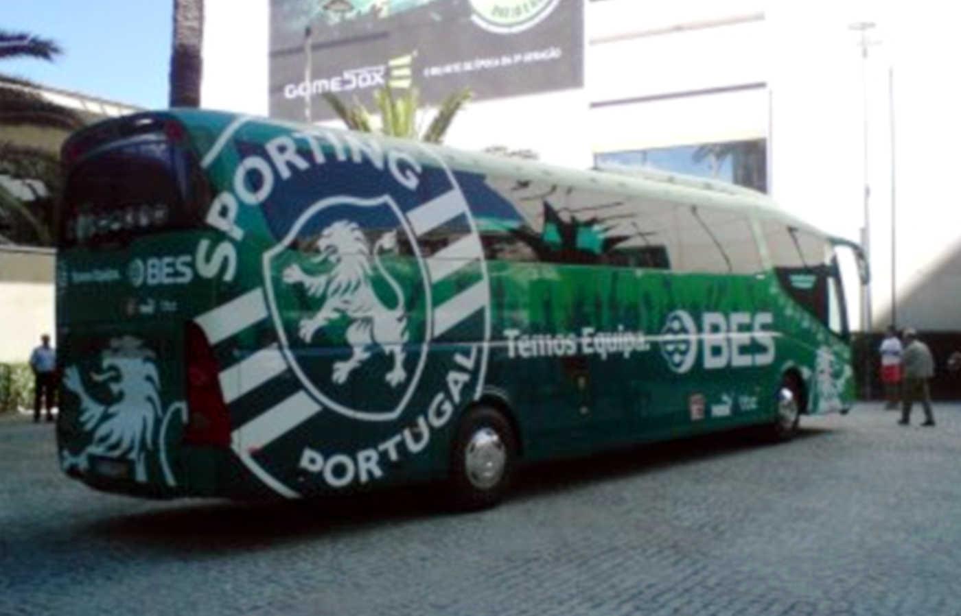 300 adeptos fazem espera ao autocarro e mostram desagrado por mais um empate que deixa o Sporting a 14 pontos do 1ºlugar.