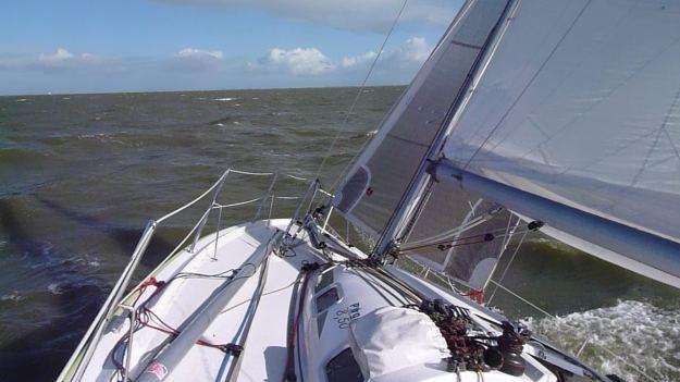 Pogo 850 aan de wind