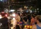 Wasserschlacht and Songkran. Bangkok am Abend