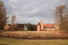 Burg mit Wassergraben