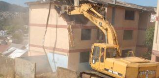 Demolición de viviendas de cerro O´higgins en Constitución