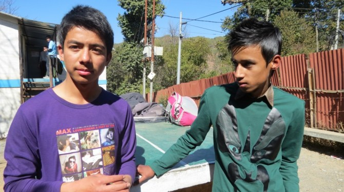 Anish (left), a student from Kathmandu who visited U.S. with the SAYS 2012 program shares his experience with Pratik (right).