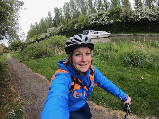Cycle selfie whilst trying to navigate Milton Keynes Marathon to support and cheer.