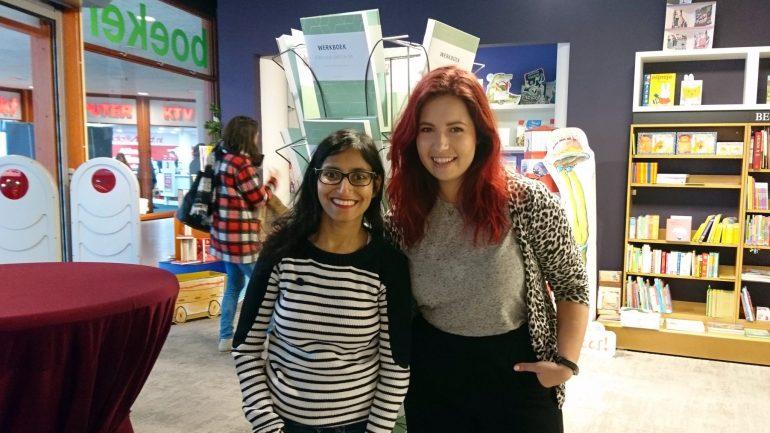 Cynthia en ik bij de signeersessie in Zwolle.
