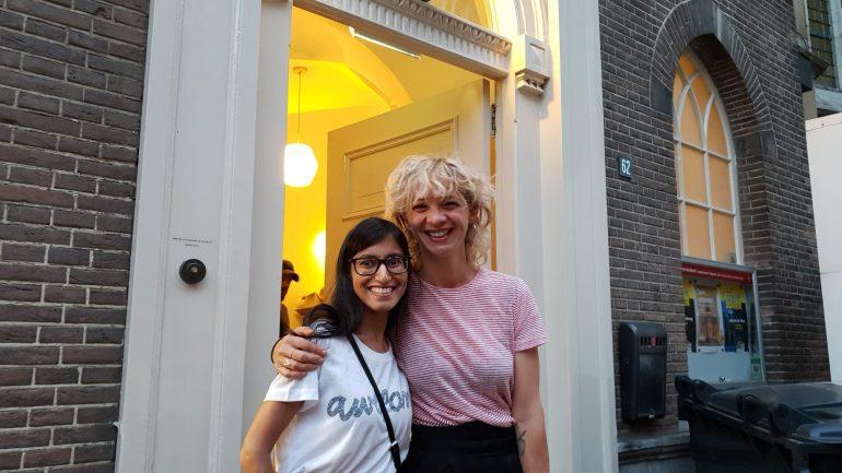 Op de foto met Jaqueline Govaert.