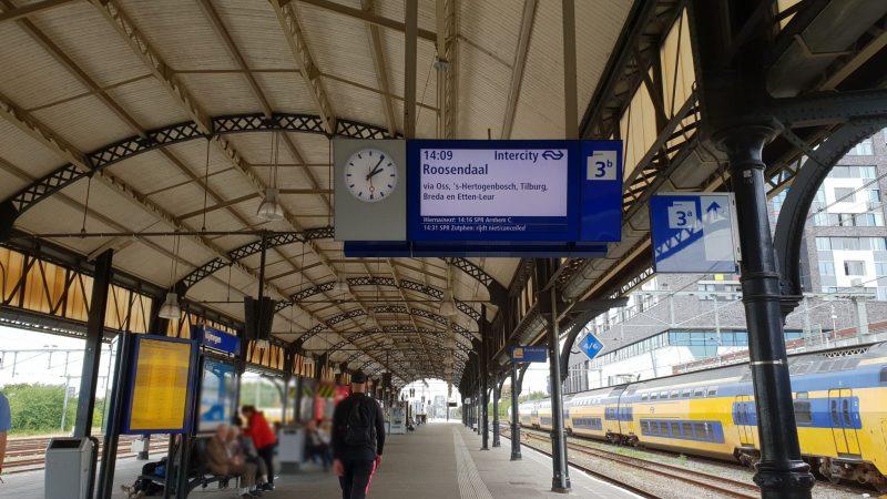 Neem de trein om meer te bewegen.
