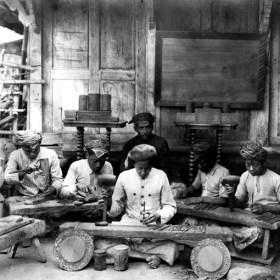 Arsip Kesenian Kriya ukir RumahKartini Japara