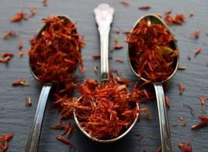 putik dari bunga saffron, saffron asli dan palsu, manfaat bunga saffron untuk kesehatan, rumah saffron