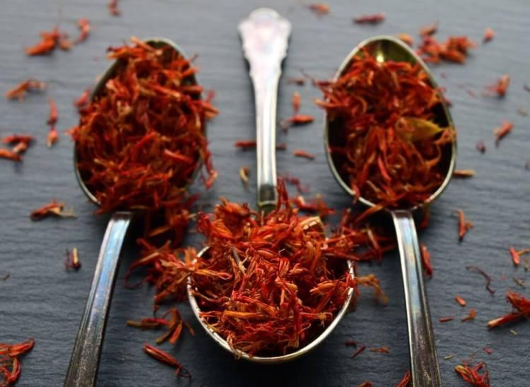 putik dari bunga saffron, saffron asli dan palsu