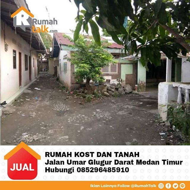 DIJUAL RUMAH KOST DAN TANAH  Jalam Umar Glugur Darat Medan Timur Luas tanah 14,7x48 Harga 2.4M (nego) Lokasi strategis dekat kampus, dekat mesjid. 5 Kamar kost, 2 Rumah utama, 5 KT, 8 KM  Ada kios didepan Rumah Utama Hp. 085296485910 . Untuk iklan rumah lainnya silakan follow @RumahTalk