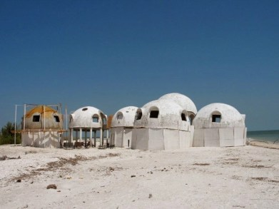 Mysterious dome houses in southwest Florida (1)