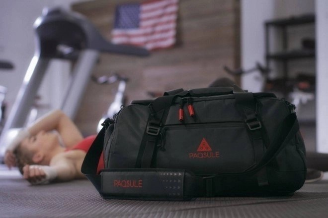 9750882904e6 Paqsule self-cleaning gym bag promises to clean and deodorize your smelly  gym clothes – RumbleRum