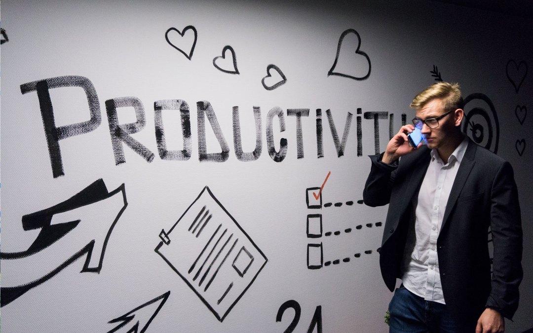 17 Estrategias para Evitar Procrastinar cuando Trabajas desde Casa y Convertir tu Oficina en el Santuario de las Metas Alcanzadas