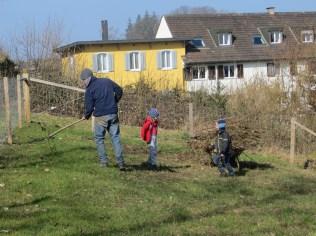 Ein paar Aufräumarbeiten auf der Weide wurden auch getätigt